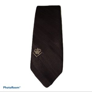 The Crown Collection Men's Tie